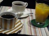 ブレンドコーヒー/カフェラテ/ジュース