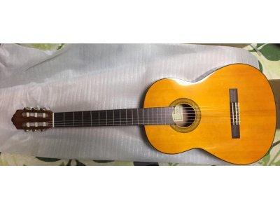 ヤマハクラシックギターCG102