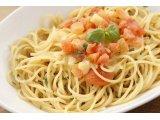 イタリア産モッツァレラチーズとフレッシュトマトのスパゲッティ