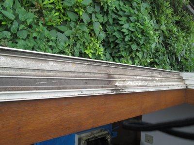 窓ガラスの枠の清掃について№1