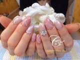 ピンクの大理石風ネイル