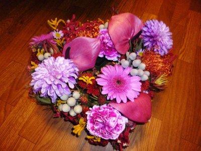 アートお葬式装飾の季節の花アレンジ
