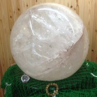 癒しの水晶館 ギャラリー姫路店   WORLD ONE 日本一水晶球(玉)・秘蔵品コレクション多数展示中