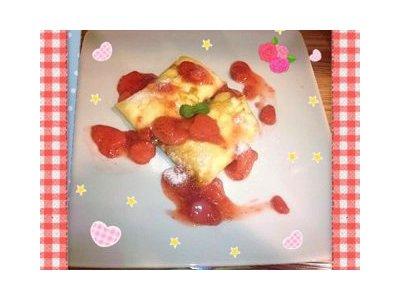 【苺クレープ】(イチゴソース)♪